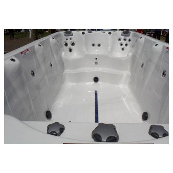 Xstream XL4 Swim Spa